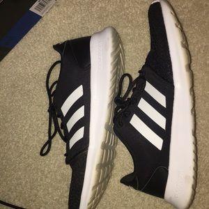 Adidas QT tracker tennis shoe size 8 1/2
